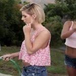Follada de lesbianas entre vecinas muy salidas