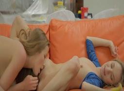Alexis Crystal y Angel Piaff, dos lesbianas que no resisten a follarse